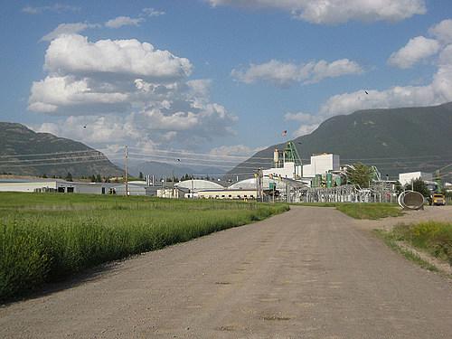aluminum company in columbia falls