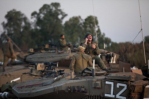 Israeli tanks on the Golan Heights