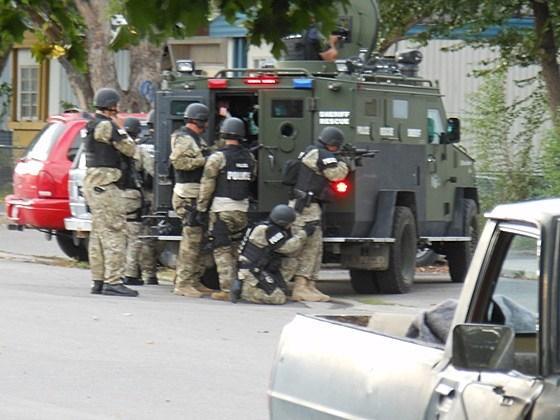 Standoff-Swat Team