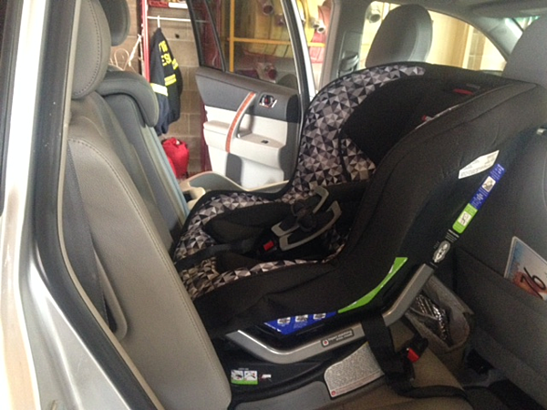missoula rural fire department holds child car seat clinic. Black Bedroom Furniture Sets. Home Design Ideas